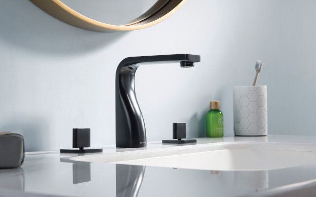 matte black three hole faucet