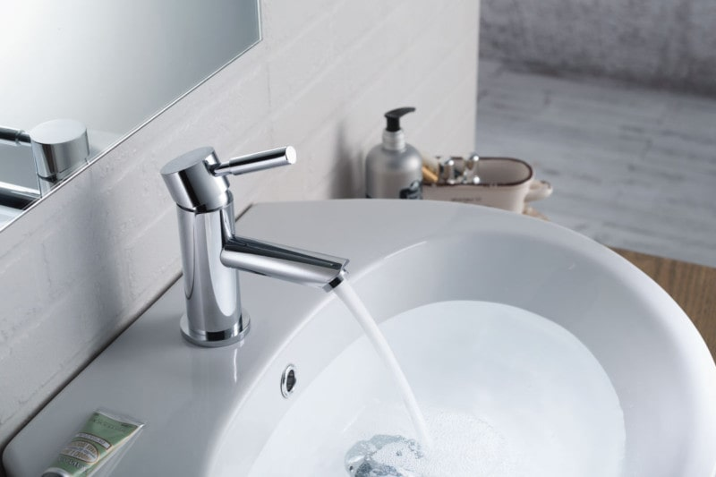modern single hole faucet in chrome