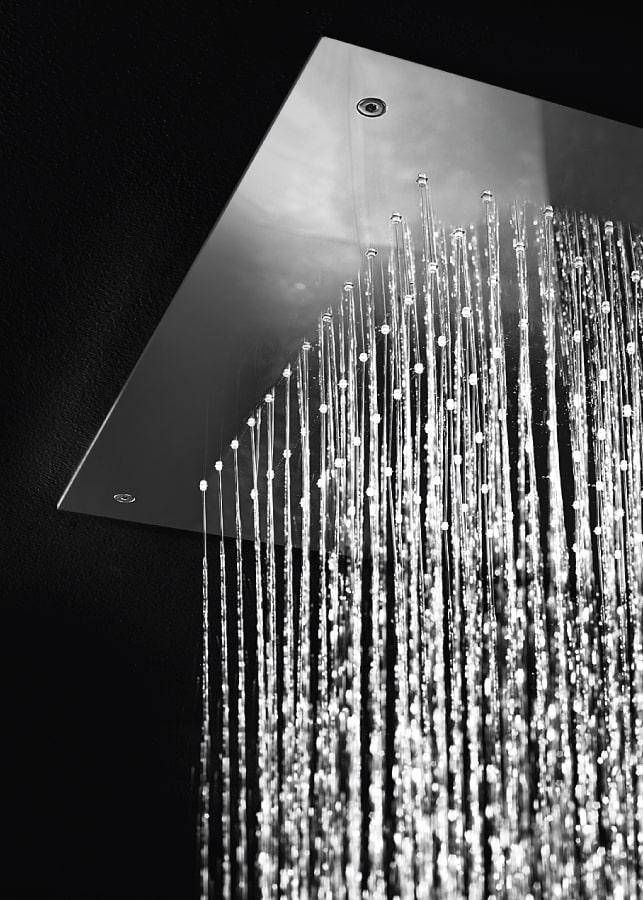flush ceiling mounted rain shower head